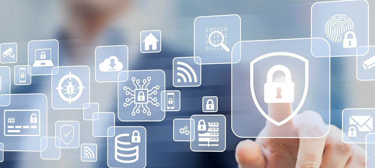 Person berüht Bildschirm mit Symbolen und Icons zu IT-Sicherheit